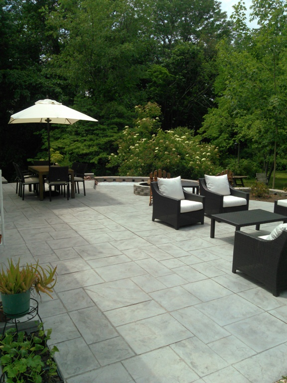 Hobbs patio with fire pit