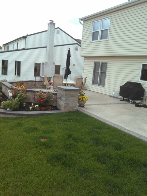 Seamless textured patio with terraced landscape walls