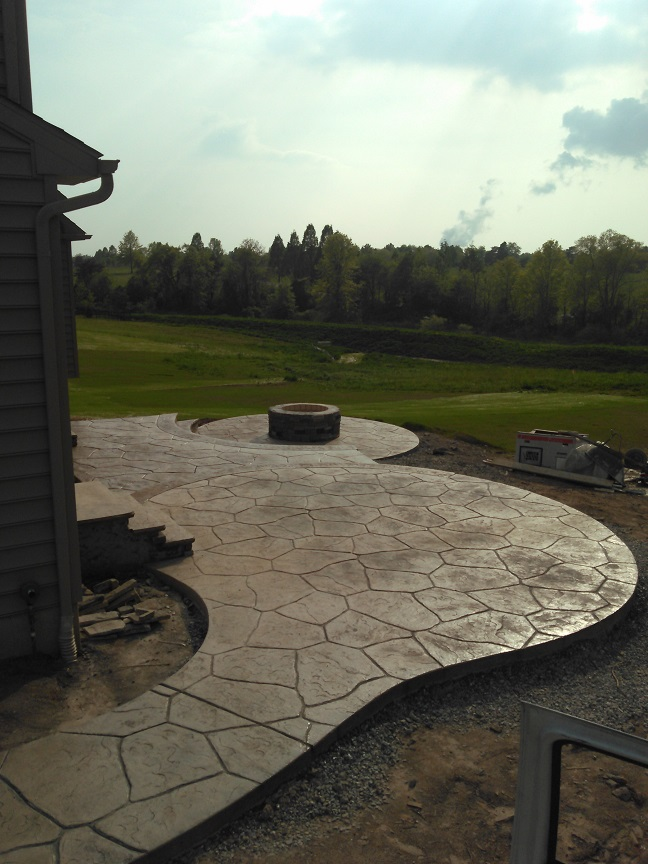 websize Grand Sand Stone Tiered Patio